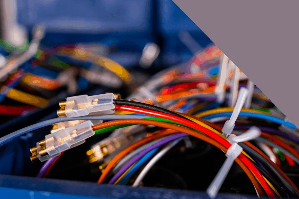 RACO A/S beschäftigt sich mit der Herstellung und dem Verkauf von autoelektrischen Produkten. Über RACO Polschuh Ladeterminals Starthilfekabel Rahmenband etc ...
